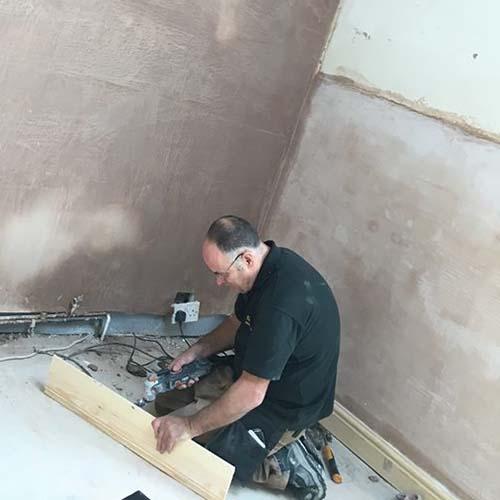 fixing skirting board